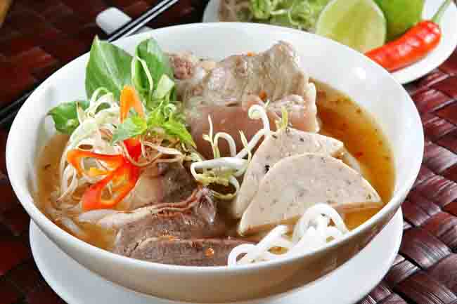 Hue local food - Hue Cuisine, travelers must try while in Hue
