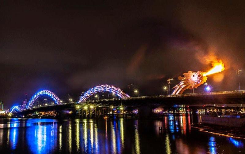 fire breathing show dragon bridge