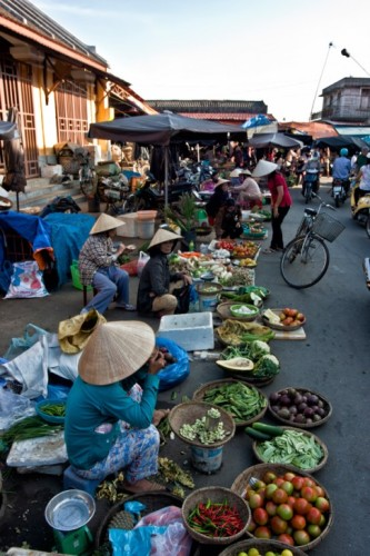 local market hoi an
