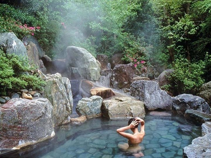 onsen bath nui than tai