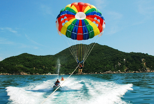 parachute fly da nang